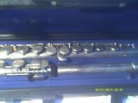 A CHEAP FLUTE , MADE In JAPAN , and COMES In It's CASE +++++++