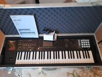 ROLAND FA06 61 KEY SYNTHESIZER WORKSTATION MINT CONDITION WITH FLIGHT CASE