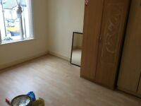Two bedroom flat to let green lane, ilford rent £1050 only.