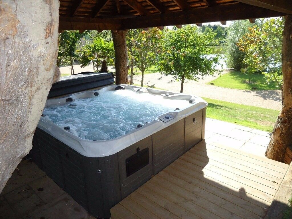 Special Offer throughout January 2018 3 nights for price of 2 now £230.00 hot tub, fishing