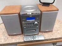 JVC Micro Component Stereo, plays MP3 Disks + aux in Model UX-H330