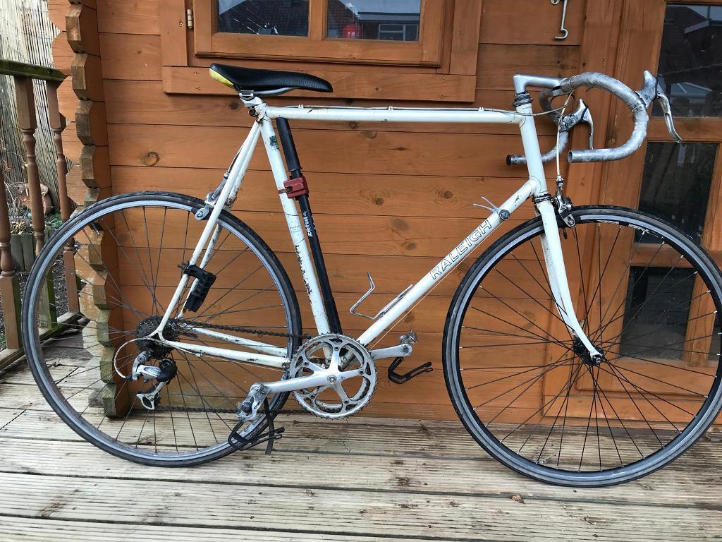 "Raleigh vintage Road big Bike. 25"" Frame. XXL. 700cc Wheels. 6 gear ..."