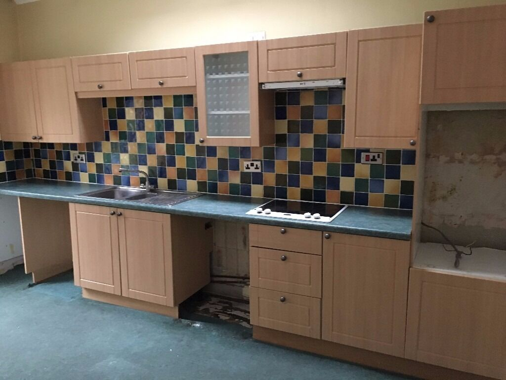 Kitchen Cupboards With Maple Effect Doors For Sale In Crieff Perth