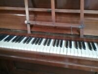 Upright piano readvertised due to timewaster