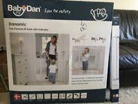 BabyDan Danamic Pressure Fit Safety Gate (+ extension) - Unused
