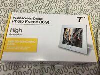 "Widescreen Digital Photo Frame 7"""