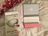 iPad Mini 3 Keyboard Case - NEW NEVER BEEN USED!