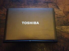 Toshiba NB500 Netbook Laptop Windows 10 2gb RAM 320gb HDD bargain at £50!