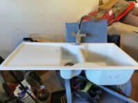Sink with 1 and 1/2 basins and mixer tap