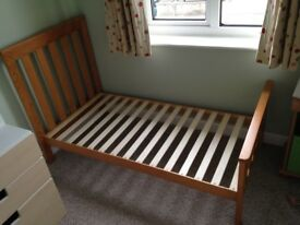 Mothercare Jamestown cotbed and mattess