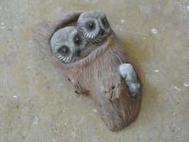Stone Garden Decoration Owl Ornament Wall Hanging with Hook - Weight 2KG