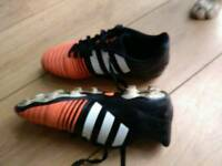 Football boots adidas size 4