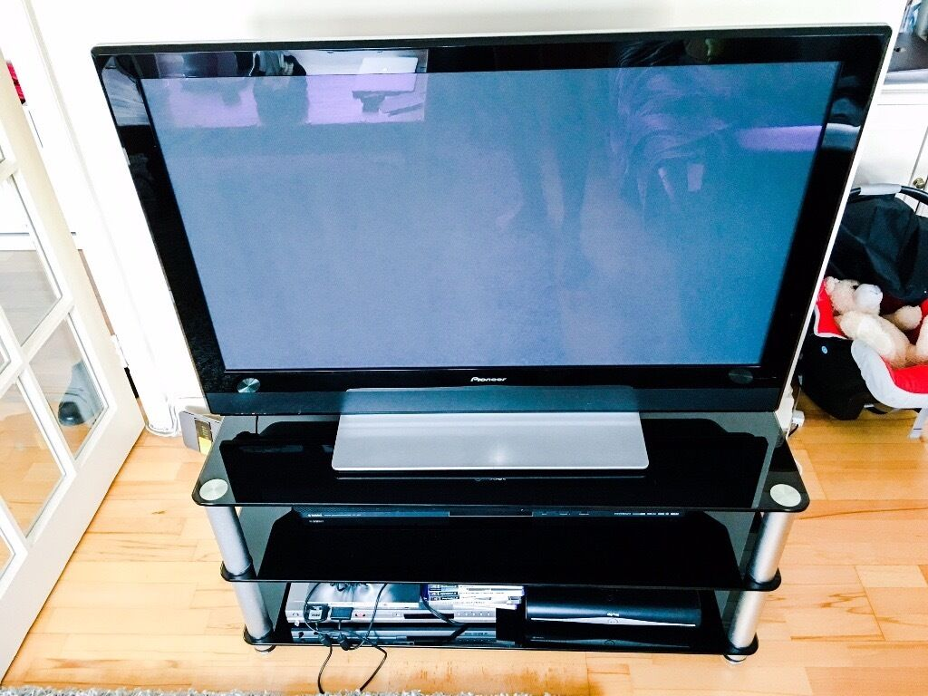 reduced to sell pioneer plasma tv 42 inch pdp 4270xa yamaha sound system free ps2 games. Black Bedroom Furniture Sets. Home Design Ideas