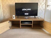 Oak TV Unit - excellent condition