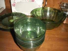 Matalan set of green melamine or plastic tableware / party dishes - salad bowl, 6 bowls & 6 plates.