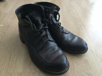 Wolverine 1000 Mile brown leather boots UK size 9, requires sole repair