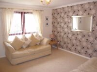 Bright 2 bedroom part funished flat in Southside of Glasgow for rent