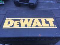 DEWALT DW621 2-Horsepower Plunge Router