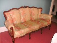 2 armchairs and Baroque sofa set (fabulous and comfortable) good condition