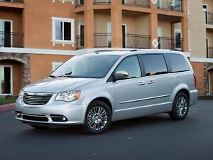 2013 Chrysler Town & Country Limited Nav Dvd's