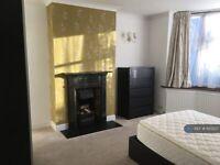 1 bedroom in Kingscroft Road, Leatherhead, KT22 (#1123237)