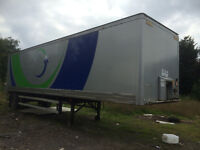 25 FEET METAL TRAILER SINGLE AXEL WITH TAIL LIFT IN GOOD WORKING ORDER