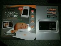 Tommee tippee video monitor and motion pad.