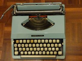 Imperial 200 Vintage Portable Typewriter. Very good condition, fully working . £110