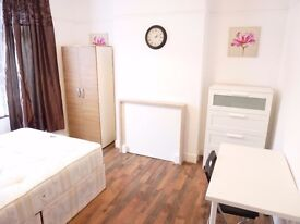 NICE DOUBLE ROOM AVAILABLE ON 30/06 IN BOSTON MANOR W72EB FOR £155 PER WEEK ALL BILLS INCLUDED