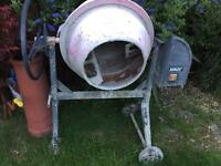 Electric cement / concrete mixer
