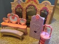 Barbie 12 Dancing Princesses Play Set