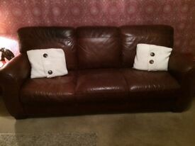 3 seater leather sofa,good condition,collection only.
