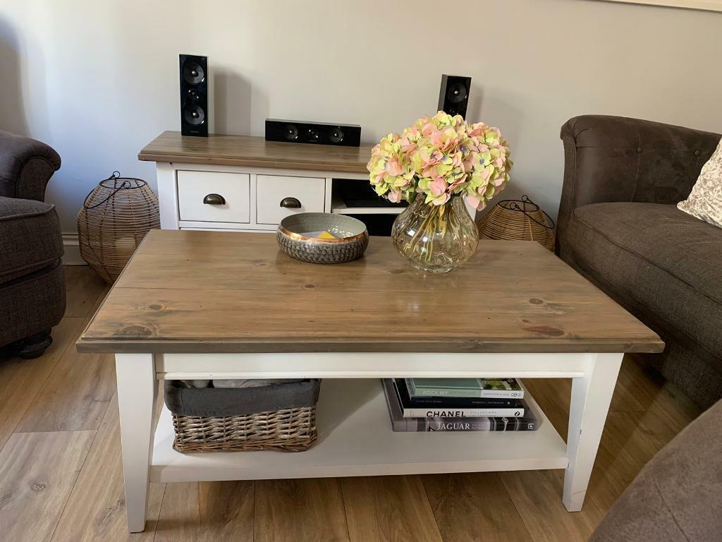half off cae85 03b25 Wooden TV stand/media unit and coffee table set | in Acton, London | Gumtree