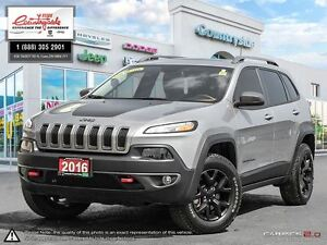 2016 Jeep Cherokee Trailhawk *4X4, LEATHER, NAV & ROOF*