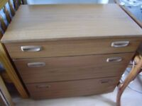 Chest of drawers by Schreiber, solid wood, very good quality