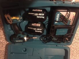 Makita 18 volt impact 2 battery s and charger and case