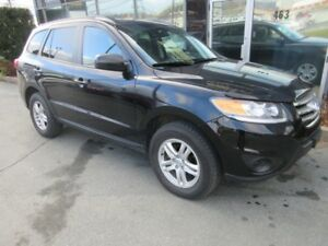 2012 Hyundai Santa Fe CLEAN SUV WITH FRESH 2-YEAR MVI!