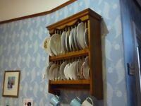Traditional wooden plate rack (pine)