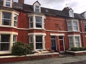 Ampthill Road, Liverpool L17 - Six bed fully modernised house, with en suite bedrooms - for sharers