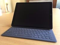 Apple iPad Pro 128GB, Wi-Fi, 12.9in with Smart Keyboard in Excellent Condition