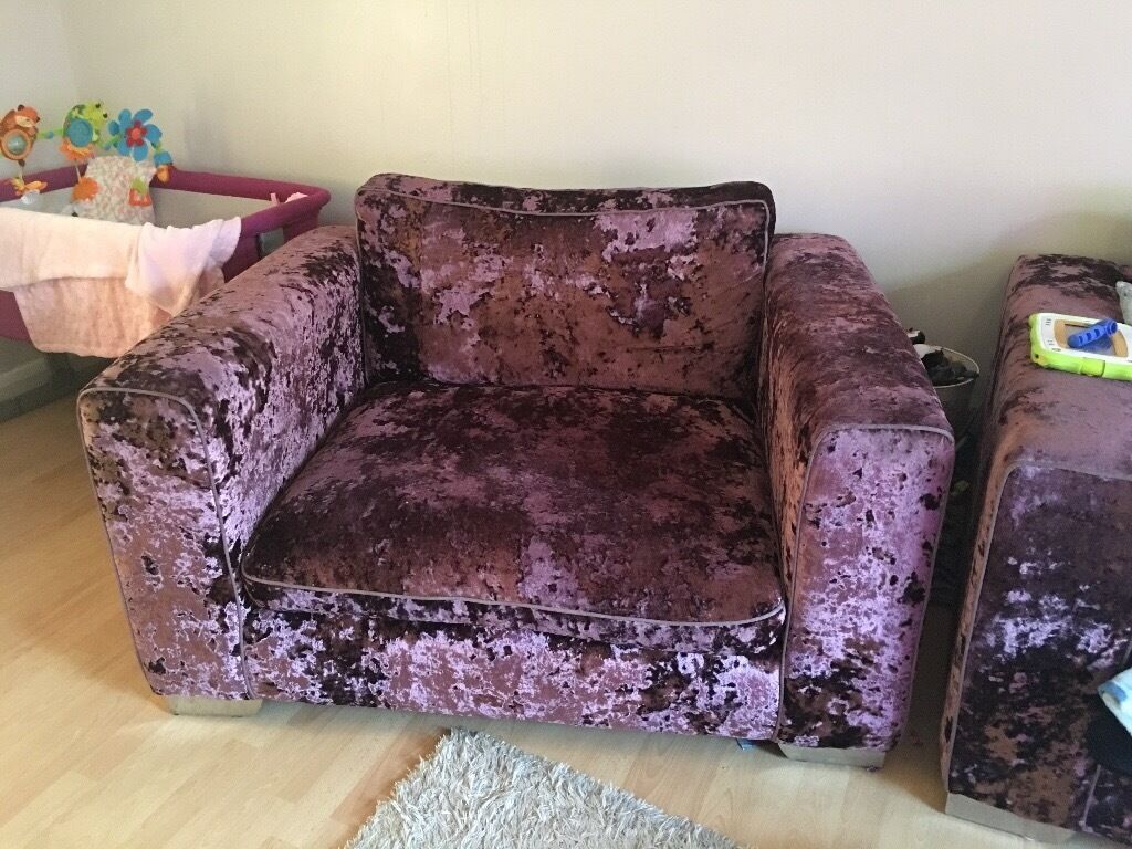 Crushed velvet Glastonbury 2 cuddler chair