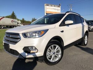 2018 Ford Escape SEL NAV! AWD Loaded with Leather, Sunroof, B...