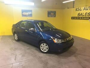 2009 Ford Focus SE ~ HEATED SEATS ~ POWER OPTIONS ~ CERTIFIED ~