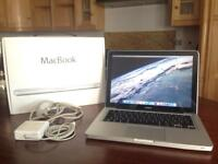 Apple MacBook 13inch Late 2008 2GB 250GB - Great working condition
