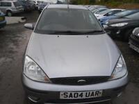 FORD FOCUS 1.6 Zetec 5dr MOT FEBRUARY 2018 TRADE-IN TOCLEAR �995 MANY CARS UNDER �1000 (silver) 2004