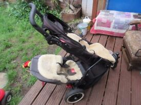 Phil and Ted Dot V3 Pram with extra seat
