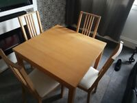 Dinning Table (extendable) with 4 chairs