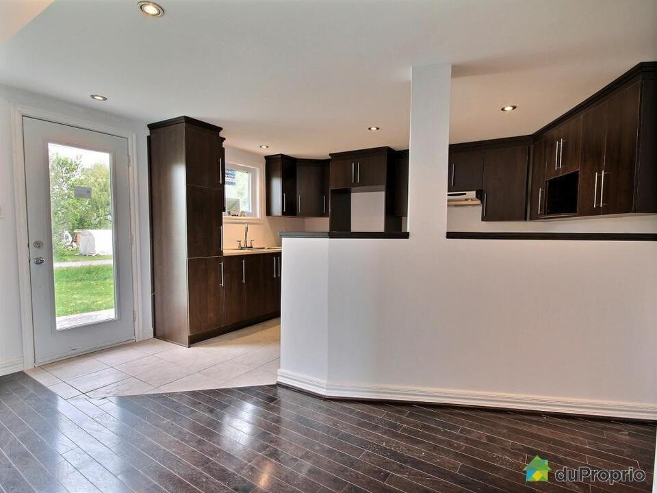 135 000$ - Maison à un étage et demi à vendre à Henryville ...