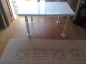 IKEA VIKA AMON WHITE TABLE