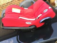 Maxi Cosi Cabriofix 0-12m baby car seat GUC